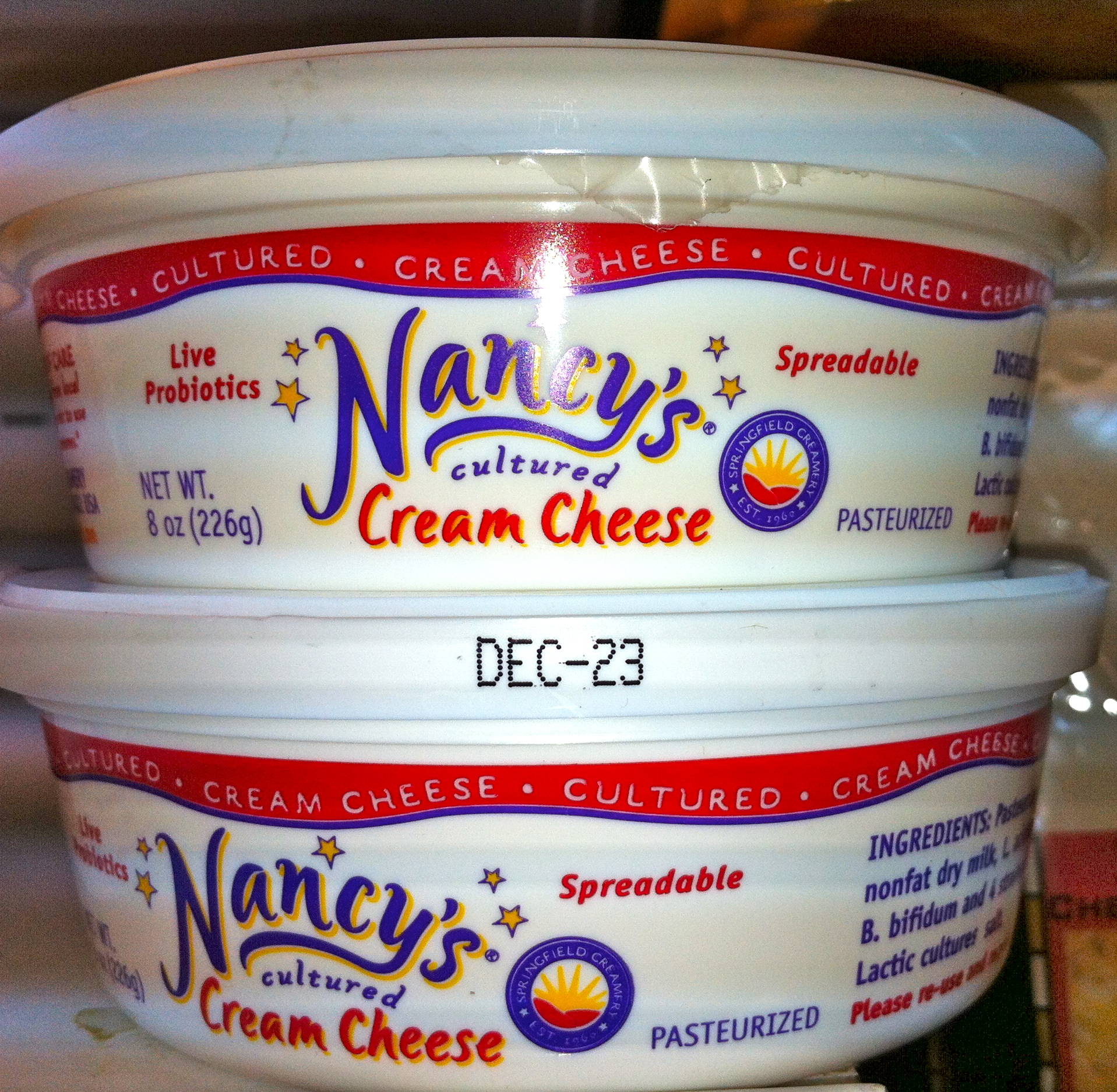nancys cultured cream cheese has live active cultures in it - very unique products